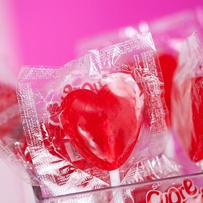 Sucettes coeur rouge (x100)