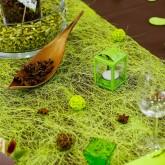 Chemin de table en abaca vert anis