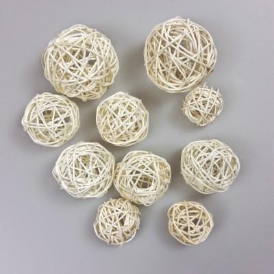 Boules en rotin blanc (x10)