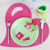Sets de table coeur en non tissé fuchsia (x50)