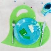 Sets de table coeur en non tissé vert anis (x50)