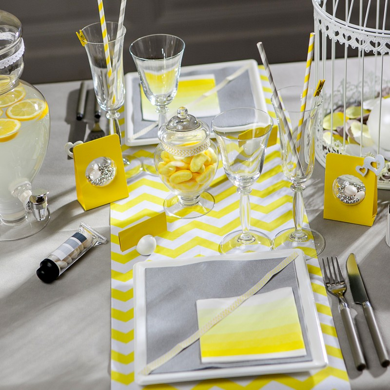 Chemin de table chevron en tissu jaune for Deco chemin de table