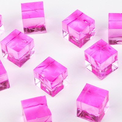 Mini cubes translucides fuchsia (x12)