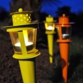 Torche métallique à planter jaune
