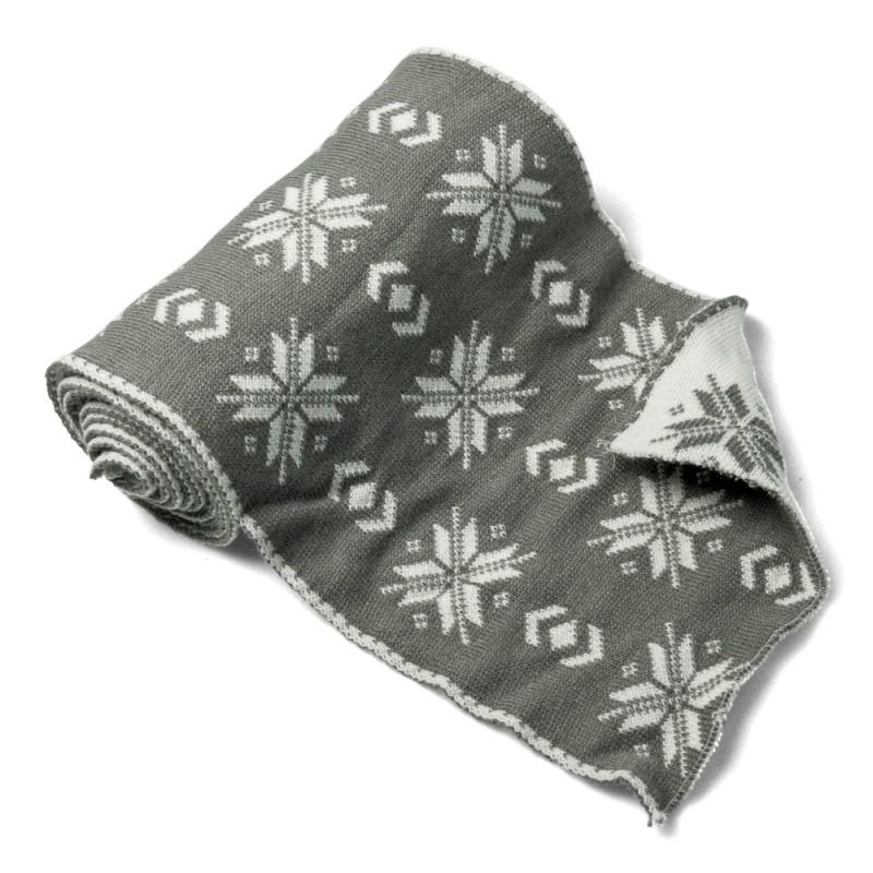 Chemin de table flocons en laine gris et blanc for Chemin de table gris et blanc
