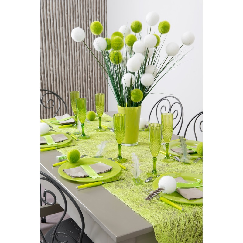Chemin de table en abaca vert anis for Decoration maison vert anis