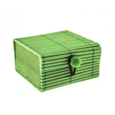 Coffre en rotin vert anis