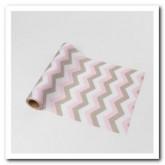 Chemin de table chevron rose, blanc et gris en tissu