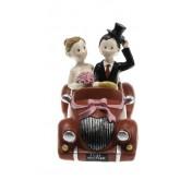 Figurine mariés en voiture rouge