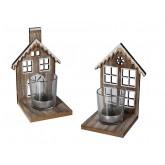 Maison en bois avec bougeoir