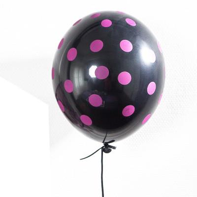 Ballons noirs à pois prunes (x6)