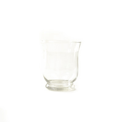 Petit pot en verre transparent