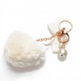Porte-clefs pompon coeur blanc