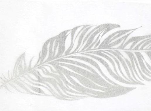 chemin de table blanc avec plume argent